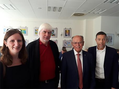 Hier sehen Sie Karin Häringer, Jürgen Salzhuber, Bezirkspräsident Josef Mederer und Holger Steckermaier