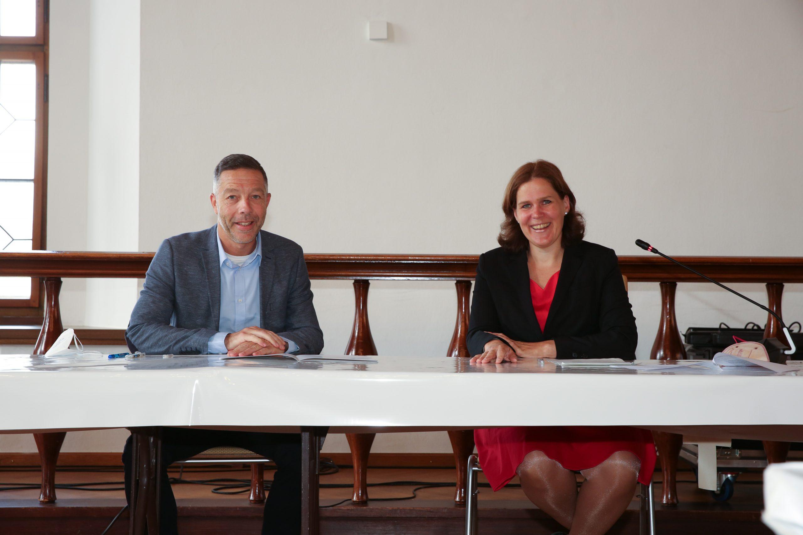 Geschäftsführer Holger Steckermaier und Bürgermeisterin der Stadt München Verena Dietl